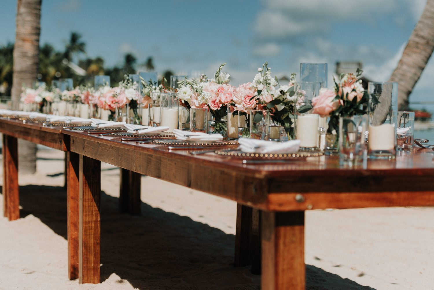 table setting for beach wedding at southernmost beach resort
