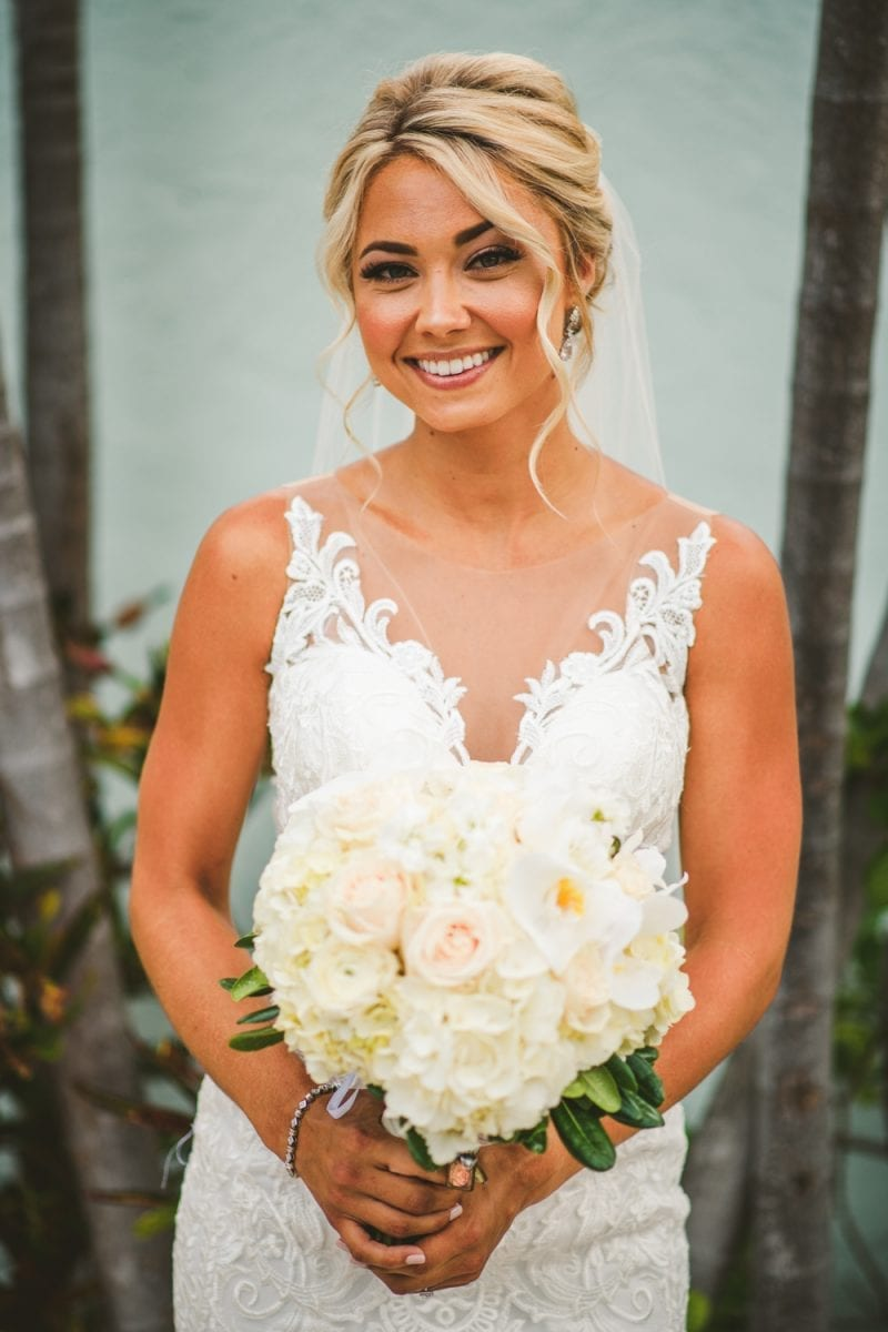 bride holding her bouquet at southernmost beach resort
