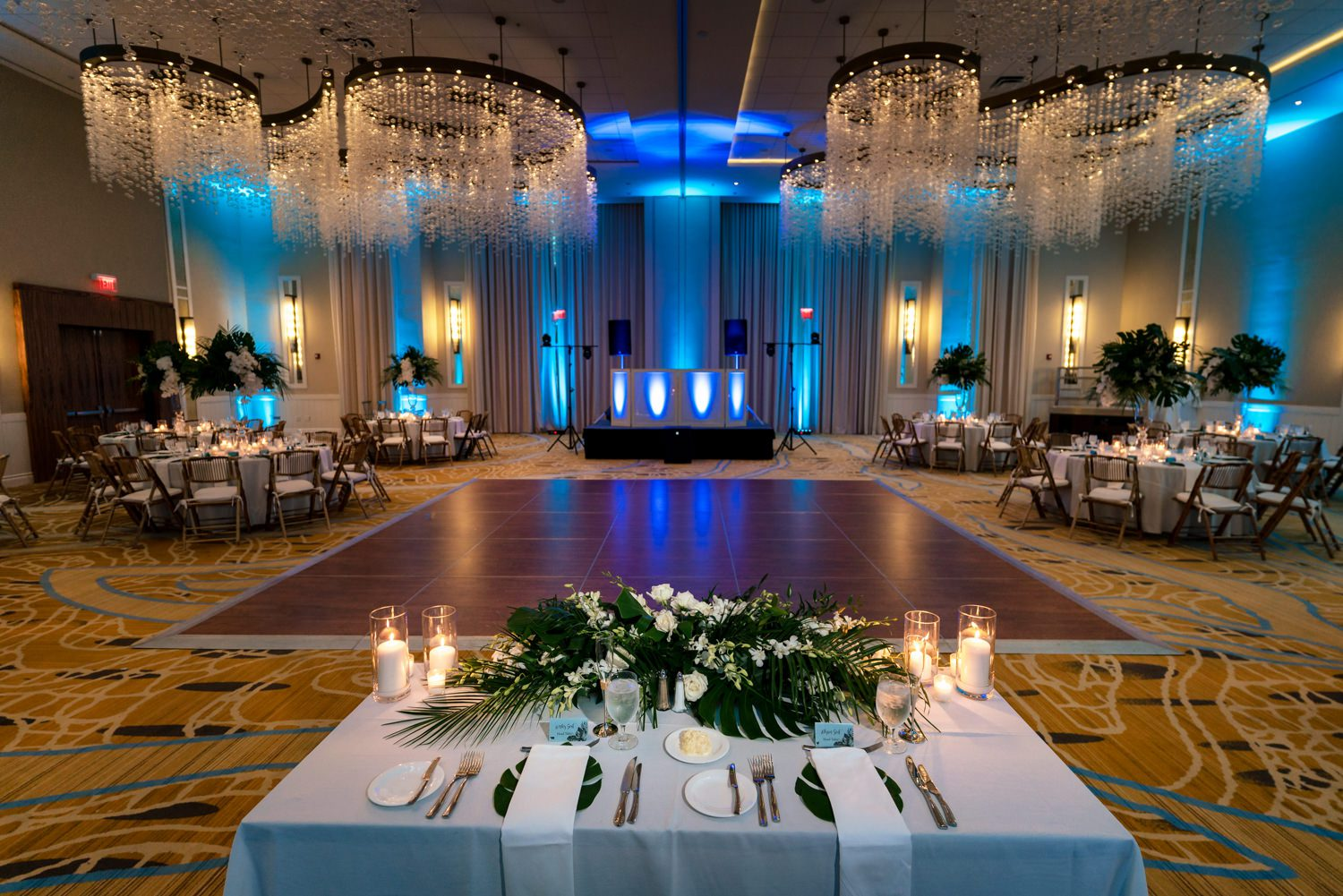 Table for bride and groom at wedding reception in playa largo