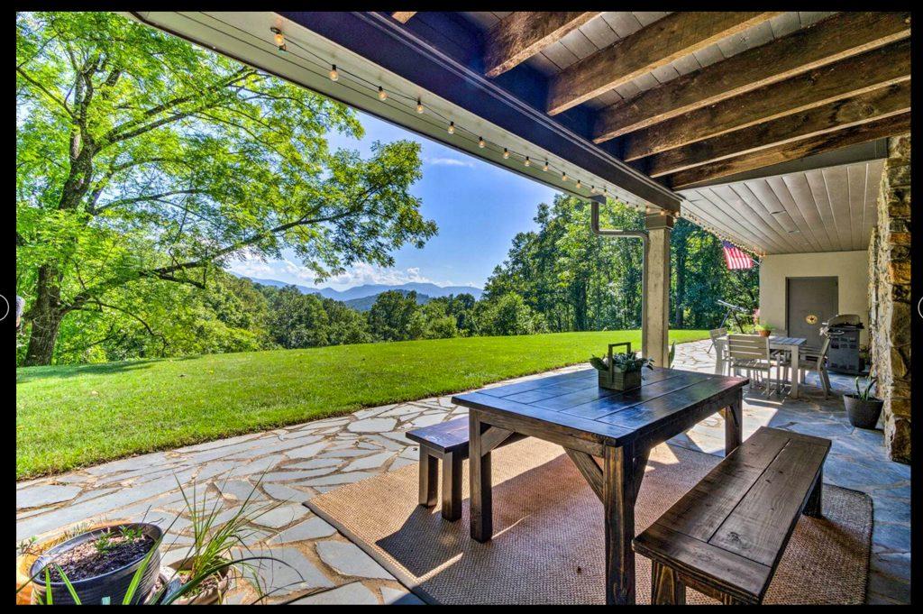 stargazer lodge asheville airbnb backyard